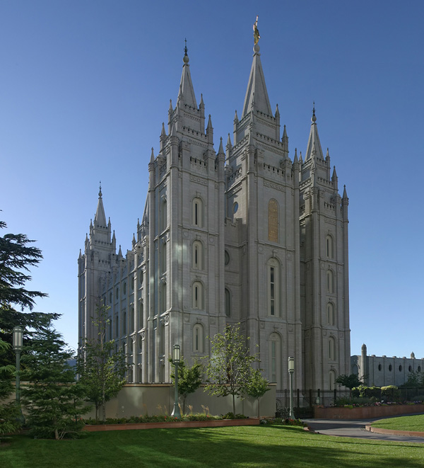 http://www.allcountries.org/photos/united_states/mormon_temple_salt_lake_city_utah_usa_photo_wiki.jpg